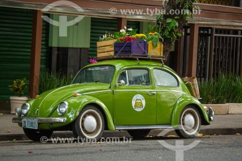 Fusca (Volkswagen) adaptado para venda de flores na Rua Rainha Elizabeth - Rio de Janeiro - Rio de Janeiro (RJ) - Brasil