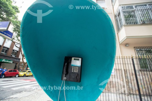 Telefone público conhecido como Orelhão na Rua Ministro Viveiros de Castro - Rio de Janeiro - Rio de Janeiro (RJ) - Brasil