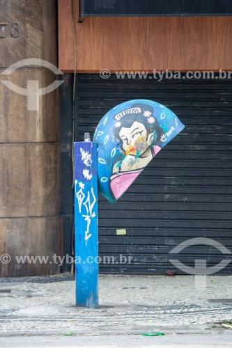 Telefone público conhecido como Orelhão na Rua Barata Ribeiro - Rio de Janeiro - Rio de Janeiro (RJ) - Brasil