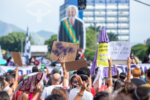 Boneco gigante do ex-presidente Lula -  Manifestação em oposição ao governo do presidente Jair Messias Bolsonaro - Rio de Janeiro - Rio de Janeiro (RJ) - Brasil