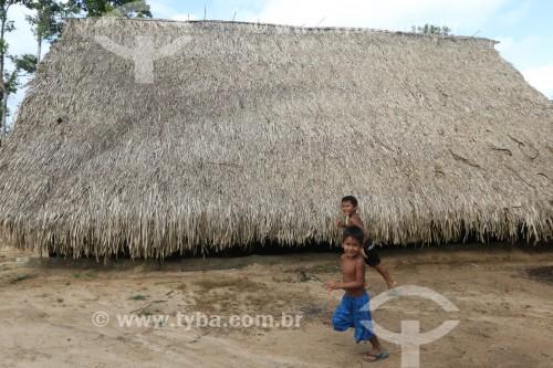 Crianças indígenas na aldeia Tatuyo no Rio Negro - Manaus - Amazonas (AM) - Brasil