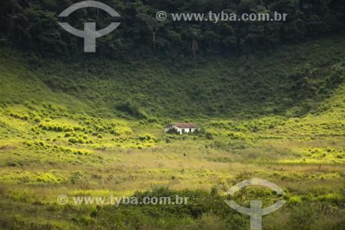 Pequena casa em área rural - Vassouras - Rio de Janeiro (RJ) - Brasil