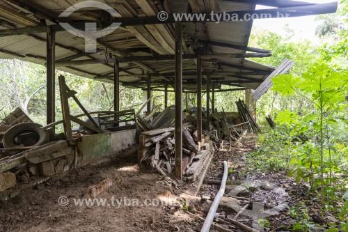 Antiga casa de fazenda abandonada no interior do Rio de Janeiro - Vassouras - Rio de Janeiro (RJ) - Brasil