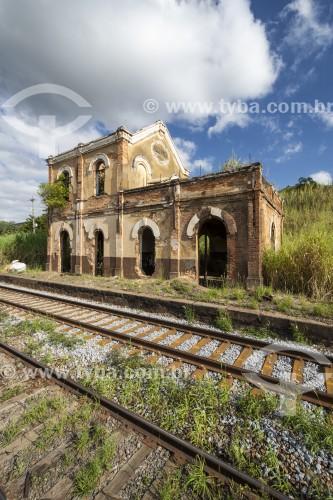 Antiga estação ferroviária histórica abandonada no interior do Rio de Janeiro - Vassouras - Rio de Janeiro (RJ) - Brasil