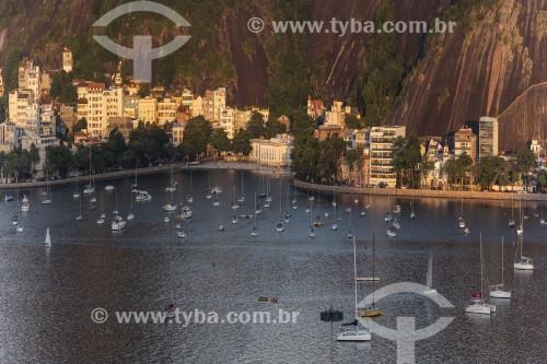 Orla e prédios da Urca vistos ao pôr do sol - Rio de Janeiro - Rio de Janeiro (RJ) - Brasil