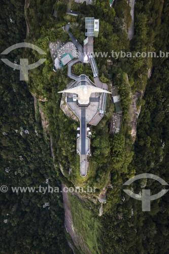 Foto feita com drone da estátua do Cristo Redentor - Visão vertical - Rio de Janeiro - Rio de Janeiro (RJ) - Brasil