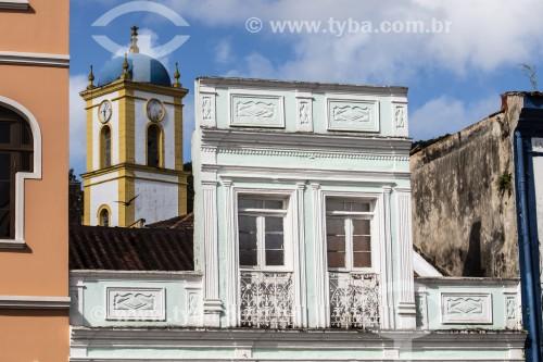 Detalhe da fachada de prédio no centro histórico - São Francisco do Sul - Santa Catarina (SC) - Brasil