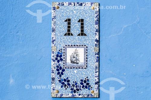 Detalhe de mosaico com numeração de casa - São Francisco do Sul - Santa Catarina (SC) - Brasil