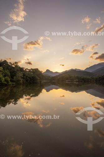 Vista geral de lago na Reserva Ecológica de Guapiaçu ao por do sol - Cachoeiras de Macacu - Rio de Janeiro (RJ) - Brasil