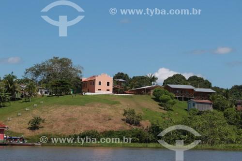 Comunidade do Punã na margem do Rio Solimões -  Reserva de Desenvolvimento Sustentável Mamirauá - Uarini - Amazonas (AM) - Brasil