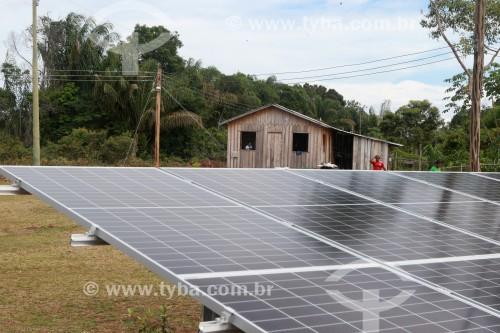Painel de captação de energia solar na comunidade Santa Helena do Inglês - Iranduba - Amazonas (AM) - Brasil