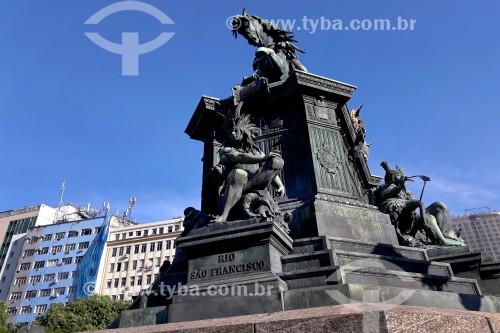 Vista da estátua equestre de Dom Pedro I (1862) na Praça Tiradentes  - Rio de Janeiro - Rio de Janeiro (RJ) - Brasil