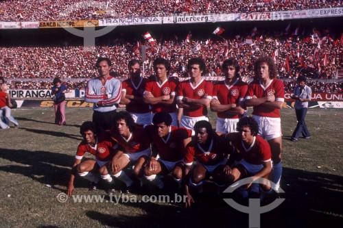 Manga (goleiro), Falcão e Dadá Maravilha (agachado) - Jogadores de Futebol - Sport Club Internacional - 1975 ou 1976 - Porto Alegre - Rio Grande do Sul (RS) - Brasil