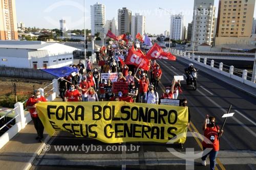 Manifestação contra o Presidente Jair Bolsonaro - Faixa onde se lê (Fora Bolsonaro e seus Generais) - São José do Rio Preto - São Paulo (SP) - Brasil