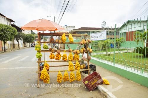 Venda de frutas em barraca de rua - Guarani - Minas Gerais (MG) - Brasil