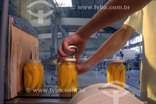 Indústria Alimentícia - Centro de controle de qualidade de alimentos - SENAI - Vassouras - Rio de Janeiro (RJ) - Brasil
