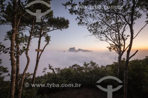 Vista da Pedra da Gávea entre nuvens a partir do Mirante da Freira - Rio de Janeiro - Rio de Janeiro (RJ) - Brasil