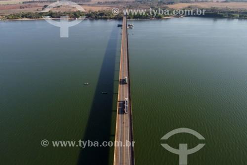 Foto feita com drone de Ponte sobre o Rio Tietê na Rodovia Assis Chateaubriand - SP-425 - Barbosa - São Paulo (SP) - Brasil