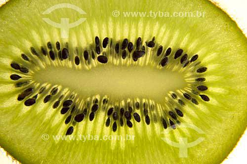 (Actinidia chinensis) Kiwi - Fruta