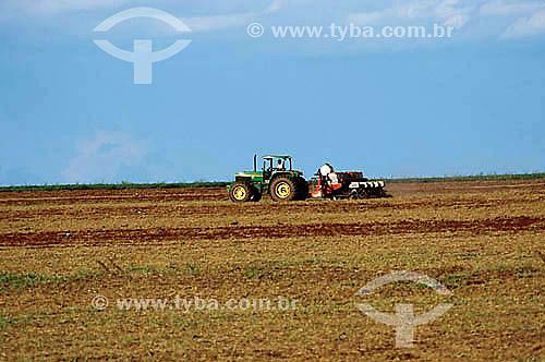 Agricultura  - Plantio mecanizado - Colômbia -São Paulo - Brasil - Fevereiro 2002  - São Paulo - São Paulo - Brasil