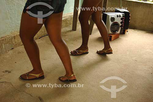 Meninas dançando funk - Sambaetiba / Itaboraí - RJ- Brasil - 7/01/2007   - Itaboraí - Rio de Janeiro - Brasil