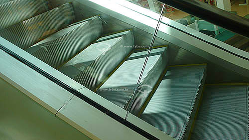 Escada Rolante na Estação Cantagalo de metrô, inaugurada no dia 27/02/2007 - Rio de Janeiro - RJ - Brasil -  Março de 2007  - Rio de Janeiro - Rio de Janeiro - Brasil