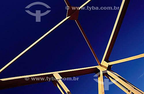 Construção civil - Detalhe de encaixe de perfis de metal