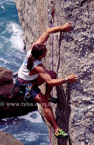 Marco Vidon (released #40)  fazendo alpinismo na Pedra do Urubu - Pista Claudio Coutinho - Urca - Rio de Janeiro - RJ - Brasil  - Rio de Janeiro - Rio de Janeiro - Brasil