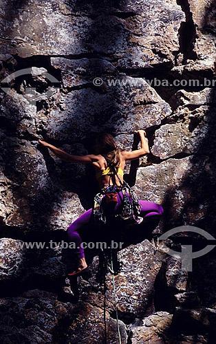 Monica Pranzl (Released 36) - alpinismo - subida em artificial no paredão das Paineiras - Floresta da Tijuca - Rio de Janeiro - RJ - Brasil  - Rio de Janeiro - Rio de Janeiro - Brasil