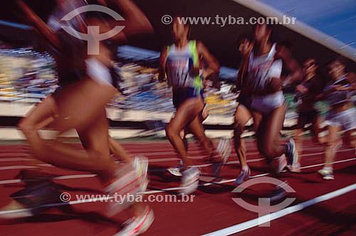 Esporte - Atletas correndo no Estádio Célio de Barros no Maracan㠖 Rio de Janeiro – RJ / Data: 2007