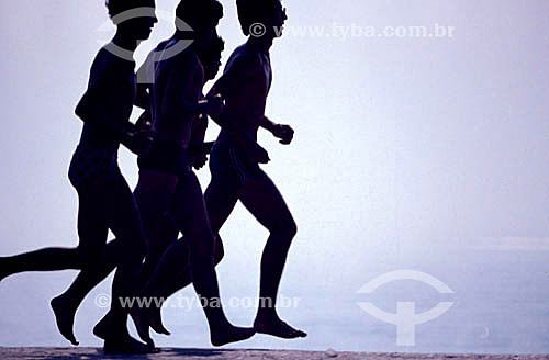 Esporte - silhueta de pessoas correndo
