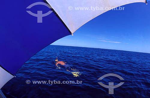 Snorkel - Mergulhador em alto mar