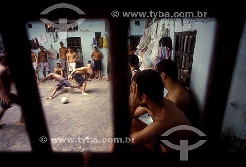 Jogo de futebol na prisão - Baixada Fluminense - Rio de Janeiro - RJ - Brasil  - Rio de Janeiro - Rio de Janeiro - Brasil