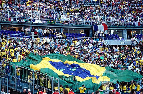 Jogo de futebol Brasil x França - Copa do Mundo de 1998 - torcida do Brasil  - França