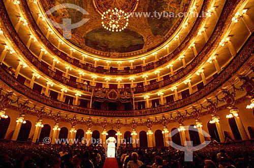 Público no interior do Teatro Amazonas - Manaus - AM - Brasil  O teatro é Patrimônio Histórico Nacional desde 20-12-1966, sendo o primeiro monumento, em Manaus, tombado pelo Patrimônio Histórico.  - Manaus - Amazonas - Brasil