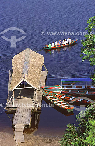 Canoa com turistas no Hotel de Selva Acajatuba - município de Iranduba - AM - setembro de 2001 - Brasil  - Iranduba - Amazonas - Brasil