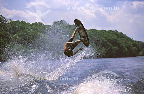 Wakeboard no Rio Tarumã - Manaus - AM - agosto de 2001 - Brasil  - Manaus - Amazonas - Brasil