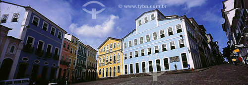 Casarios multicoloridos do Pelourinho com o Museu da Cidade e a Fundação Casa de Jorge Amado ao fundo - Salvador  - BA - Brasil   A cidade é Patrimônio Mundial pela UNESCO desde 06-12-1985  - Salvador - Bahia - Brasil