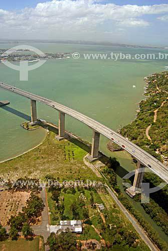 Vista aérea da Terceira Ponte,(Ponte Darcy Castelo de Mendonça) Acesso a Vila Velha - Vitória, ES - Nov.2006.  - Vitória - Espírito Santo - Brasil