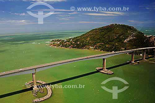 Vista aérea da Terceira Ponte, (Ponte Darcy Castelo de Mendonça) Acesso a Vila Velha - Vitória, ES - Nov.2006.  - Vitória - Espírito Santo - Brasil