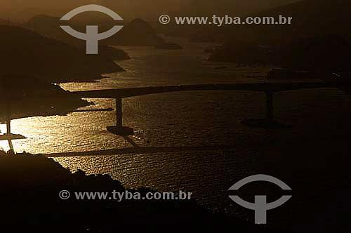 Terceira Ponte  (Ponte Darcy Castelo de Mendonça) em Vitória - Espírito Santo - Nov.2006  - Vitória - Espírito Santo - Brasil