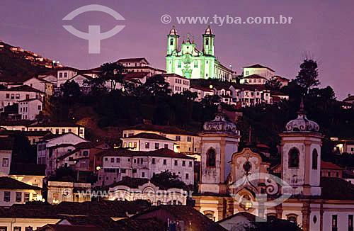 Cidade de Ouro Preto e a Igreja São Francisco de Paula (1) ao fundo - Ouro Preto (2) - MG - Brasil(1) A igreja é Patrimônio Histórico Nacional desde 08-09-1939.(2) A cidade de Ouro Preto é Patrimônio Mundial pela UNESCO desde 05-09-1980.  - Ouro Preto - Minas Gerais - Brasil