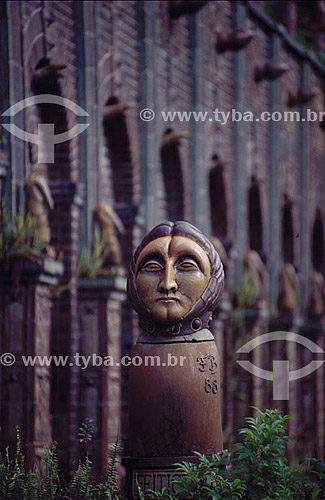 Estátua - Atelier do artista Francisco Brennand - Recife - PE - Brasil  - Recife - Pernambuco - Brasil