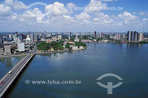 Ponte sobre Rio Beberibe em Recife - Pernambuco - Brasil  - Recife - Pernambuco - Brasil