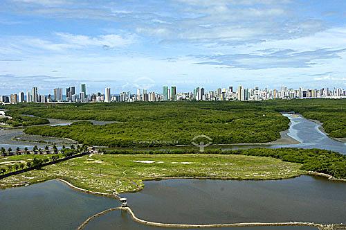 Vista do bairro Boa Viagem com Parque dos Manguezais a frente - Recife - PE - Brasil - Data:05/2006