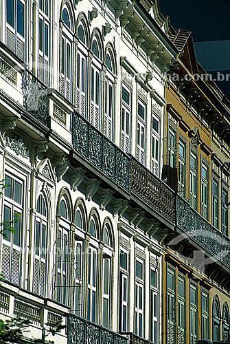 Detalhe de arquitetura - Fachadas de prédios na Rua 7 de Setembro  - Rio de Janeiro - Rio de Janeiro - Brasil