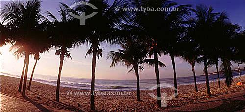 Praia de Copacabana - nascer do sol - Rio de Janeiro - RJ - Brasil44 ddrfcrfdc43sxd34e43wszw32a2qaq212  - Rio de Janeiro - Rio de Janeiro - Brasil