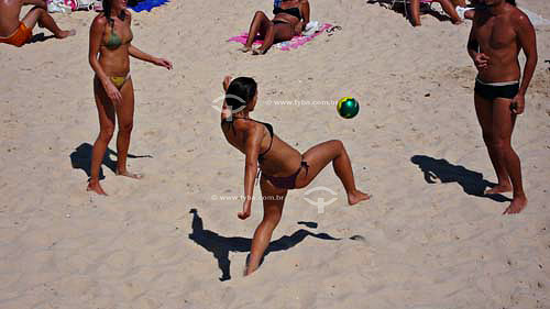 Praia de Ipanema - Futebol feminino - Rio de Janeiro - RJ - BrasilMar/2007.  - Rio de Janeiro - Rio de Janeiro - Brasil