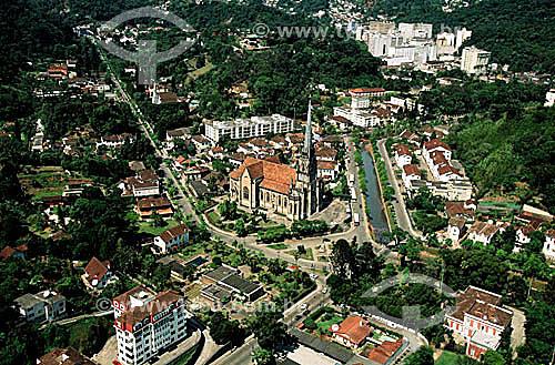 Assunto: Vista aérea da Catedral de São Pedro de Alcântara / Local: Petrópolis - Rio de Janeiro (RJ) - Brasil / Data: Década de 90