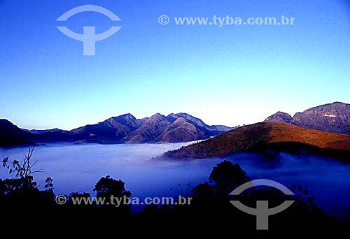 Serra de Petrópolis acima das nuvens - Itaipava - RJ - Brasil  - Petrópolis - Rio de Janeiro - Brasil
